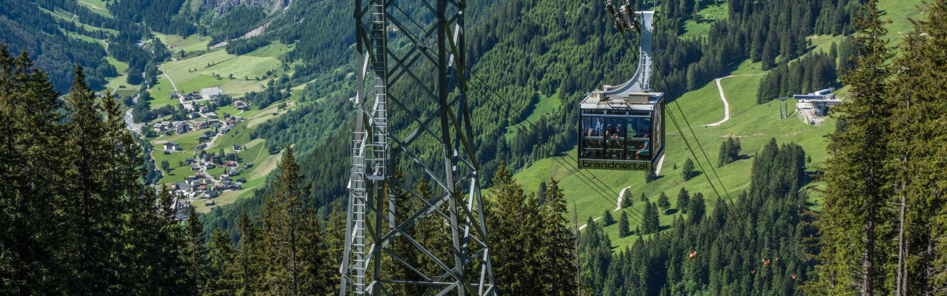 Panoramabahn Brand mit Blick nach Brand (c) Helmut Düringer / Vorarlberg Tourismus GmbH