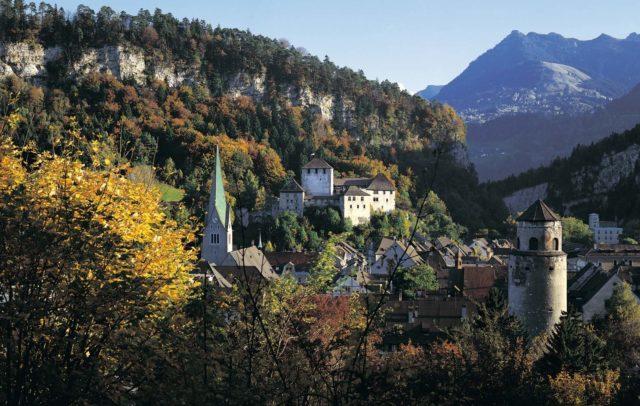 Feldkirch im Herbst, Schattenburg Museum, Vorarlberg.travel (c) Vorarlberg Tourismus GmbH